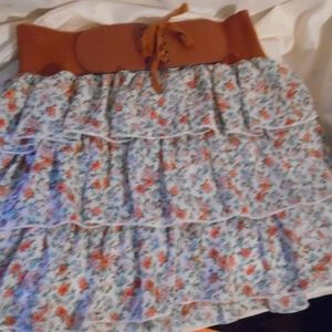 """Deb's Skirt W/Leather Band Size Woman's Small 16"""""""
